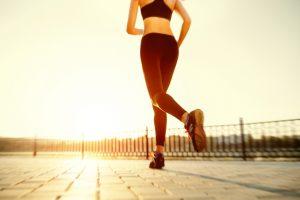 Joggen bei Sonnenuntergang