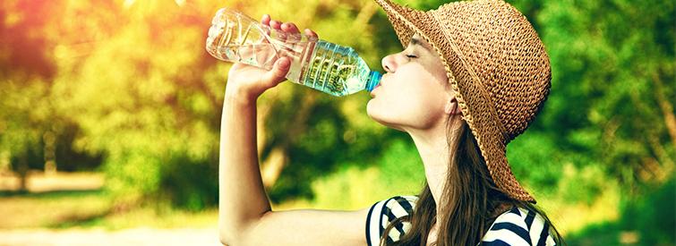 Im Sommer lieber regelmaessig trinken.