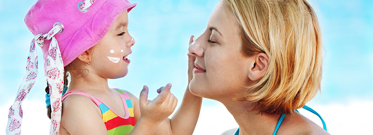 Starker Sonnenschutz haelt die Haut in jedem Alter gesund