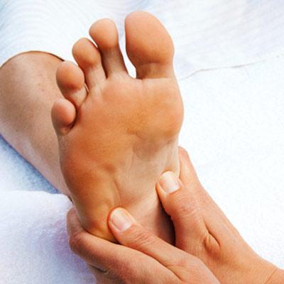 Durch kleine Massageeinheiten deinem ganzen Körper etwas Gutes tun.
