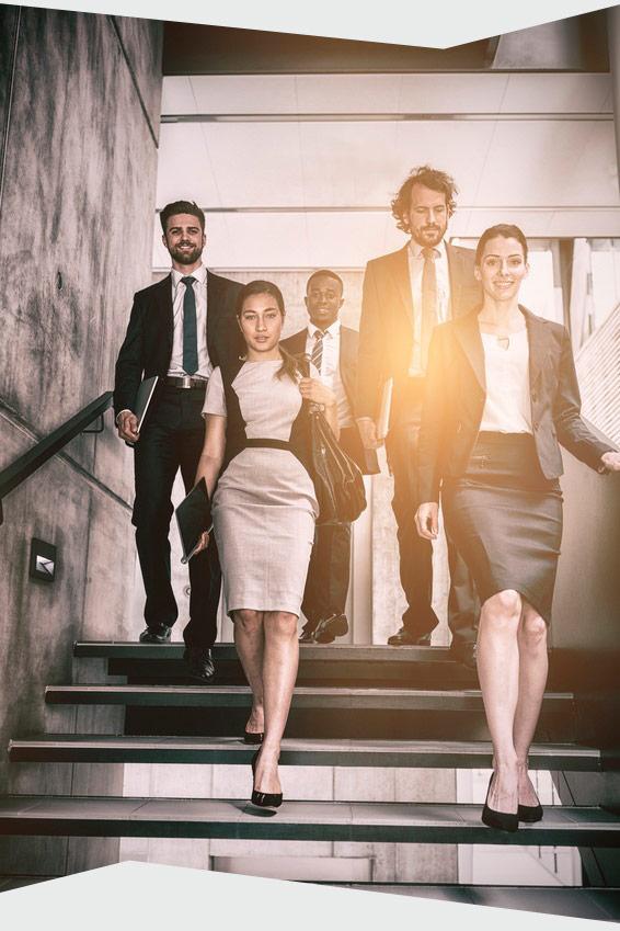 Treppensteigen im Büro.