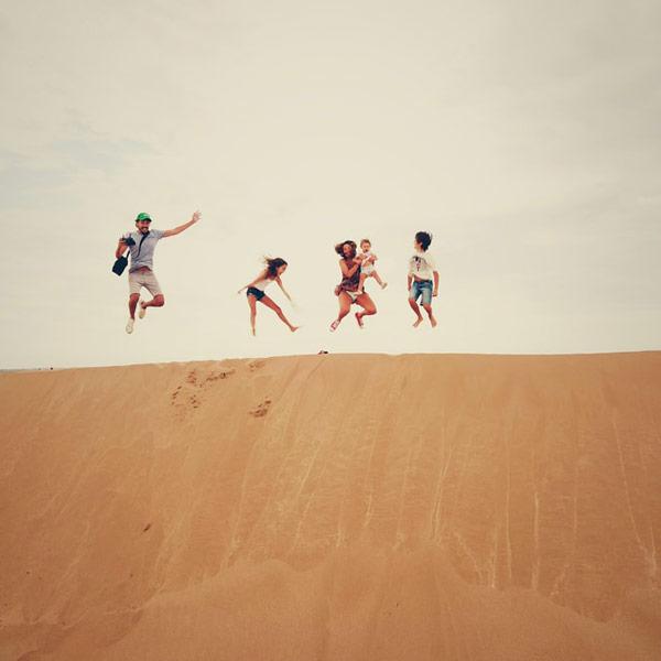 Spaß auf der Düne mit der Familie