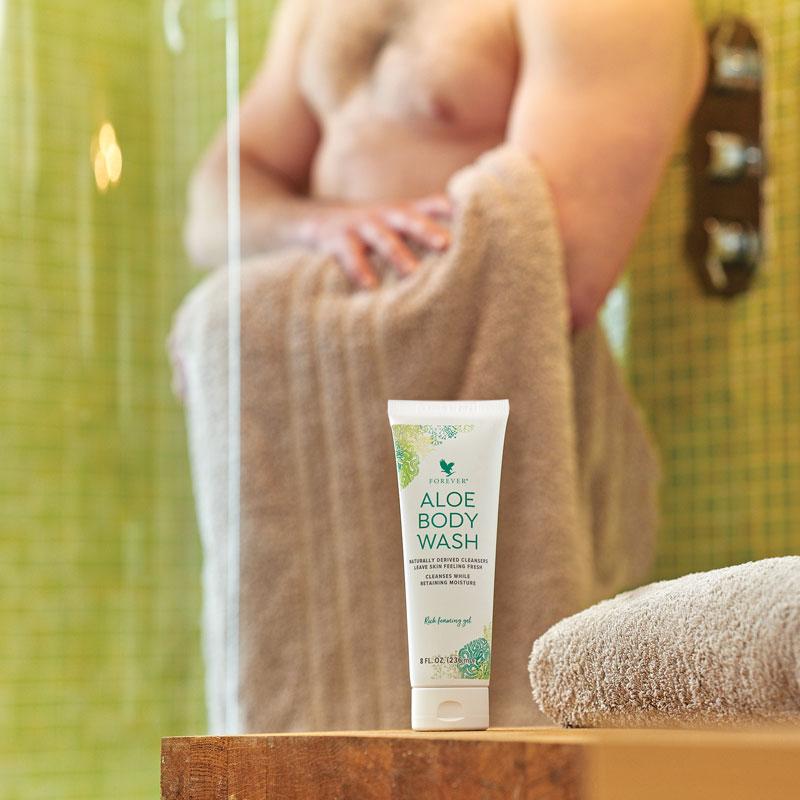 Feuchtigkeitsdusche mit Aloe Body Wash